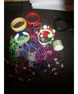 Bracelets Necklaces Costume Jewelry Play Jewelry 15 Ounces - $4.89