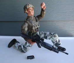 2003 Lanard Toys Ultra Corps Marine 2 Pistol and Knife Action Figure - $23.01
