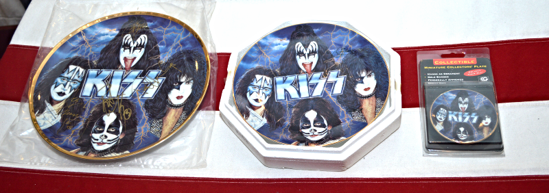 Primary image for L@@K  3 sizes KISS GARTLAN PLATES X 3 & autographed