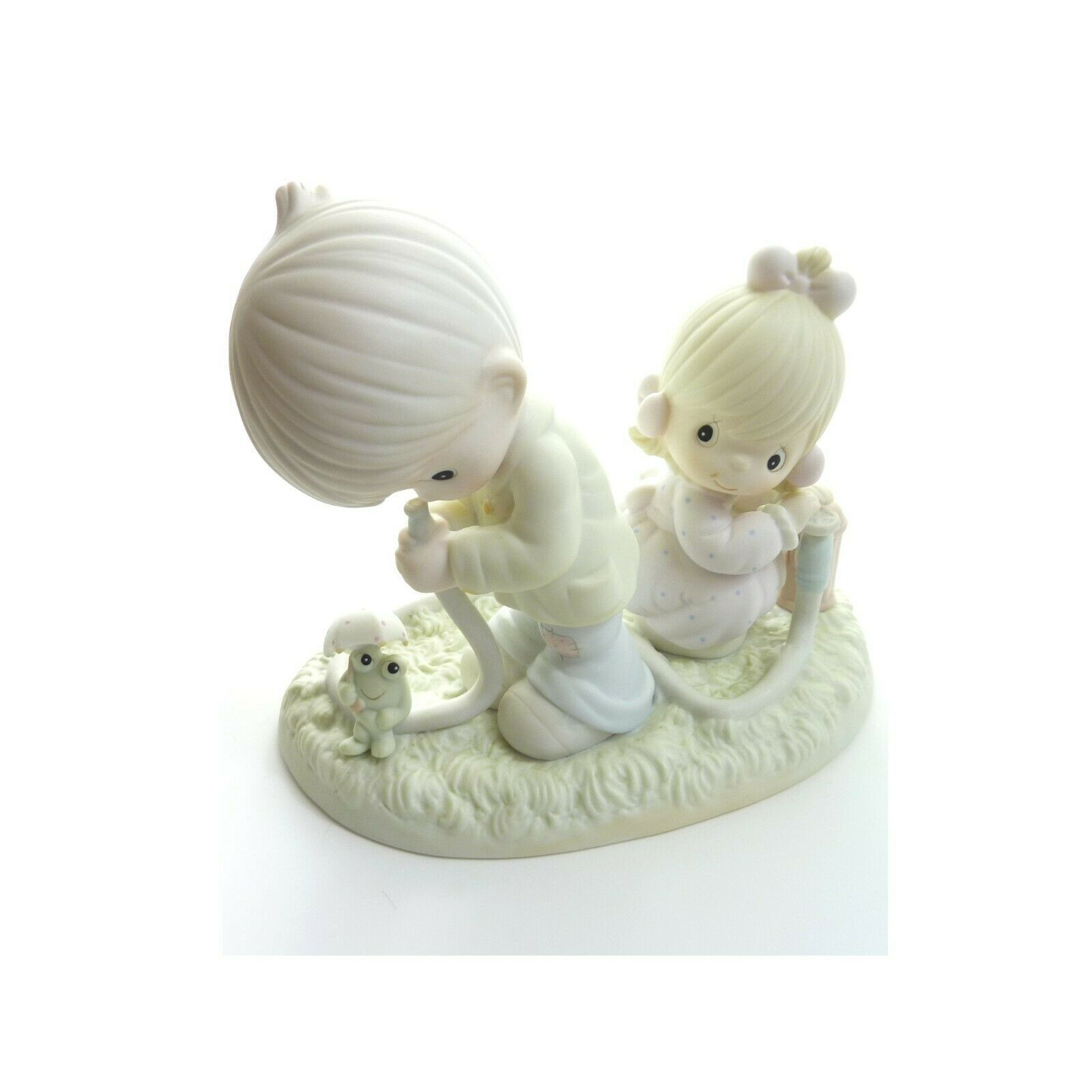 Primary image for Precious Moments There Shall Be Showers Of Blessings Christmas Gift Figure