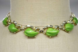 Green Thermoset Leaf Gold Tone Choker Necklace Vintage - $29.69