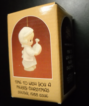 Enesco Precious Moments 1988 Time To Wish You A Merry Christmas Porcelain Bisque - $10.99