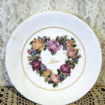 BOUQUET OF LOVE ROSES HEART PLATE 1987 Avon - £25.81 GBP