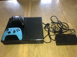 Microsoft Xbox One Model 1540 500GB Bundle w/ HDMI 2 Controllers Excellent! - $222.75