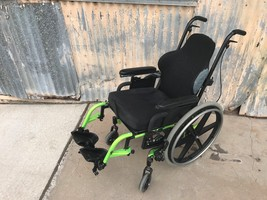Quickie CGT-3275 Manuel Wheelchair J2 J3 Cushion image 2