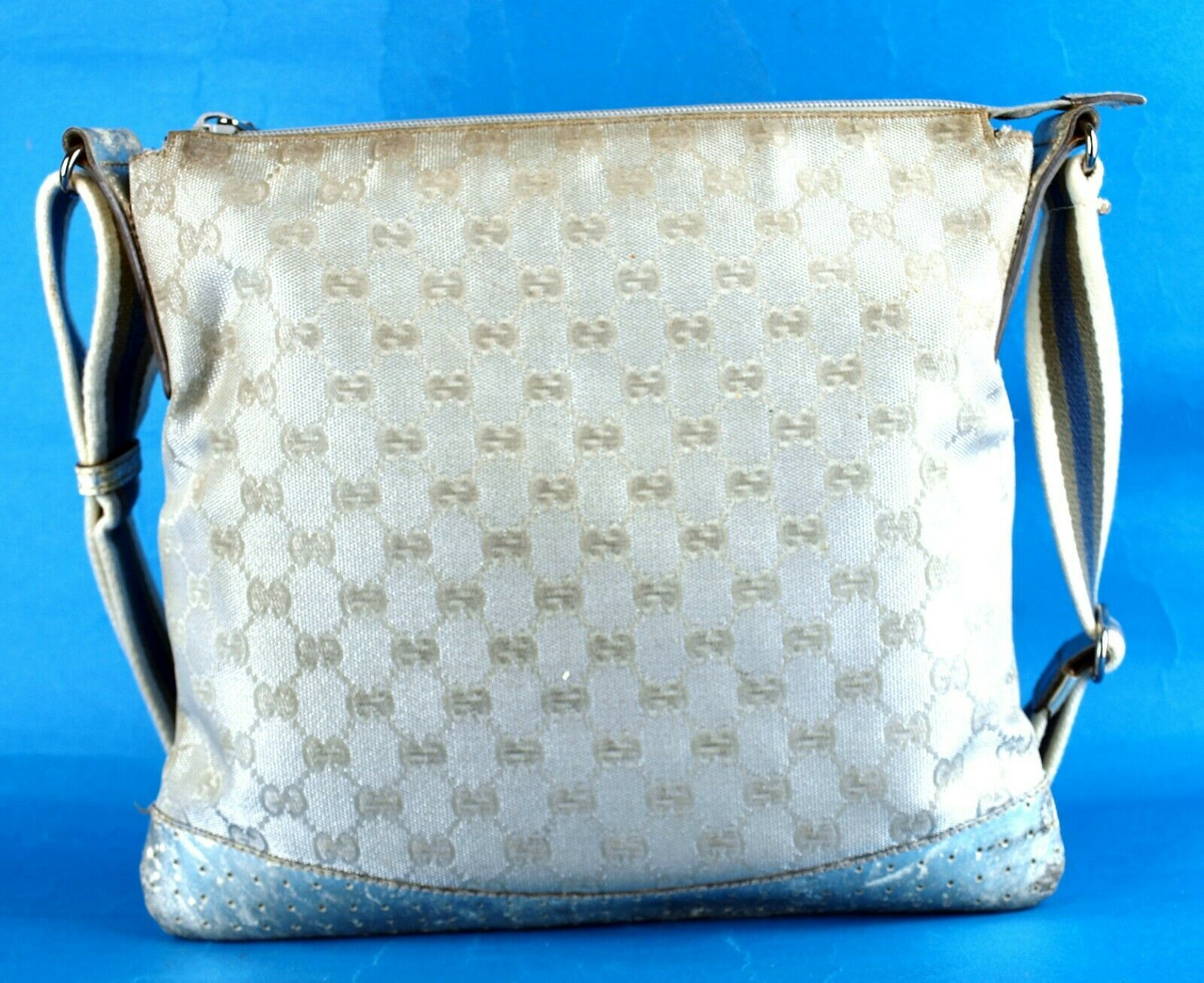 Auth GUCCI GG Silver Nylon Canvas & Leather Shoulder Bag Purse Italy 145857 2123