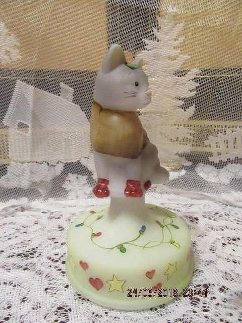 FENTON GLASS CHRISTMAS LIGHTS CAT ON FONT LIMITED EDITION #2/2 GIFT SHOP EXCLUSI