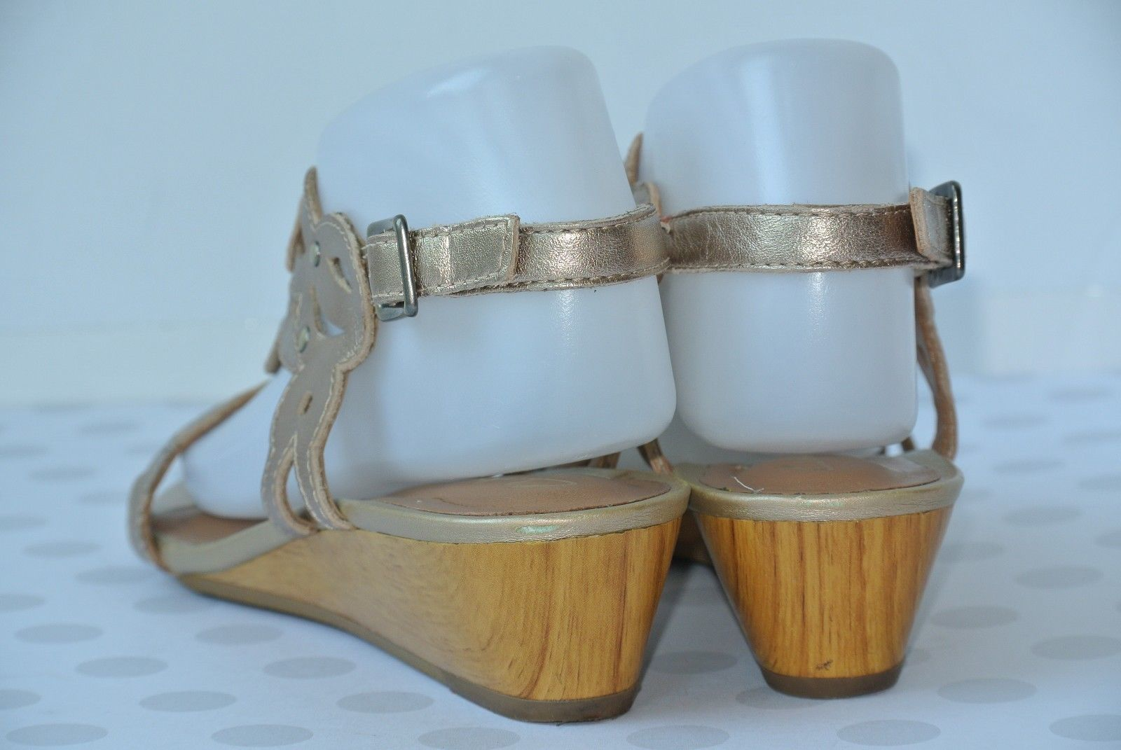 83dd718d4 Clarks Playful Tunes Womens 7.5 M Gold and 50 similar items