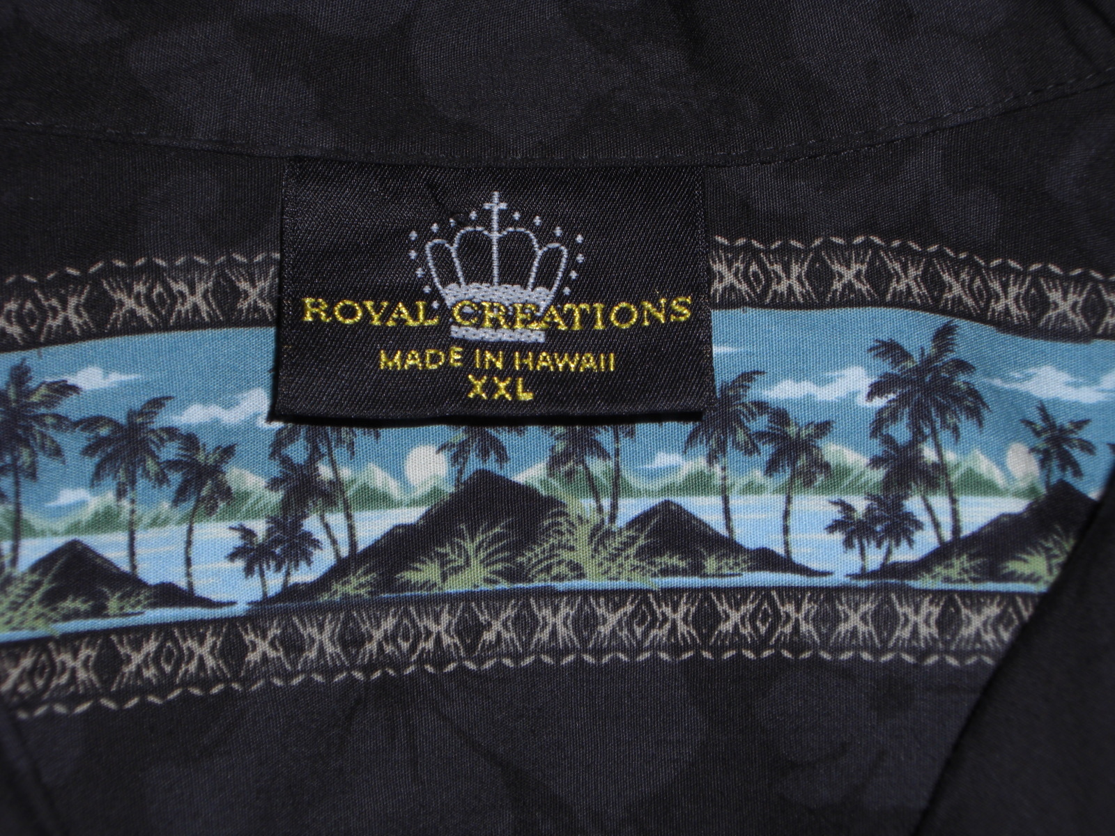 Royal Creations Hawaiian Shirt Black with blue mountain island scene Size XXL
