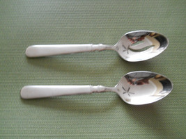 Cuisinart Oxford set of 2 serving spoons - $13.81