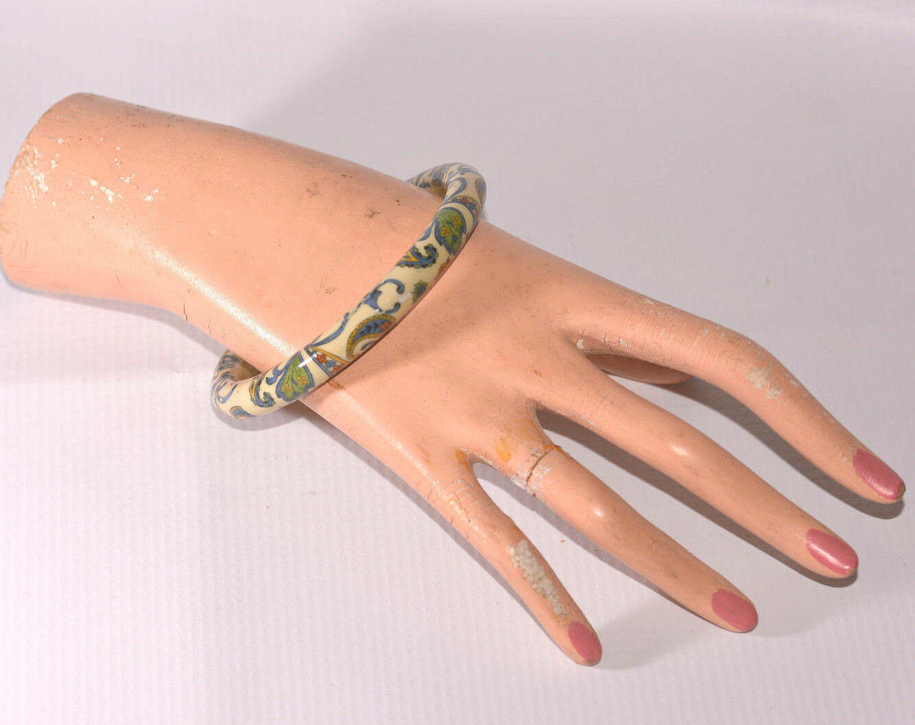 vintage ceramic porcelain paisley print bangle bracelet off white