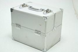SOHO Pro Texture Diamond Silver Beauty Case 5 Storage Area Easy Close Or... - $25.28