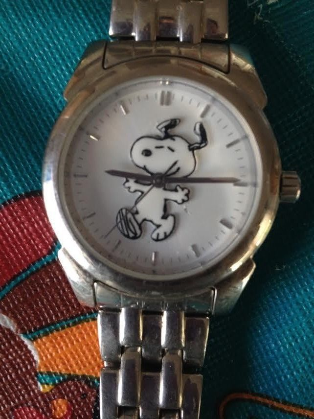 Fossil Limited Edition Peanuts Collection Snoopy Water Resistant Wrist Watch AWE