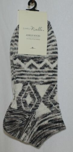 Simply Noelle Cream Tan Black Ankle Socks One Size Fits Most