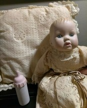 rare VINTAGE TINY TEARS PORCELIAN DOLL 1971 MOULDED HAIR CBS PILLOW BOTT... - $29.70