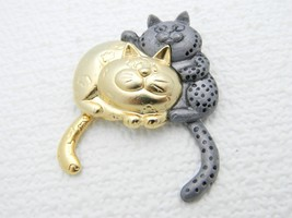 Vtg Danecraft Signed Dual Tone Cat Articulating Tails Pin Brooch - $19.80