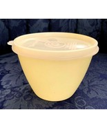 Vintage..TUPPERWARE..Round..Yellow Container #148 & Opaque lid #215 - $9.89