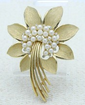 VTG 1950's CROWN TRIFARI Signed Clear Rhinestone Faux Pearl Flower Brooch Pin - $49.50