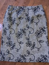 Talbots Woman White Black Flower  Zip Lined Wool Skirt Size 12 Euc - $25.73