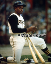 MLB Roberto Clemente Pittsburgh Pirates on Deck Circle Color 8 X 10 Phot... - $6.99