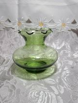 Collectible Vintage Depression ANCHOR HOCKING Glass Forest Green Ruffle Vase image 5