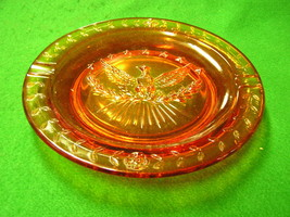 Great L.E.SMITH Glass HERITAGE Eagle & Stars AMBERINA Cigar Ash Tray/Plate - $9.70