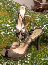 JESSICA SIMPSON CARYS 7.5M WOMEN'S GOLD FABRIC T~STRAP PLATFORM SANDAL M... - $29.69