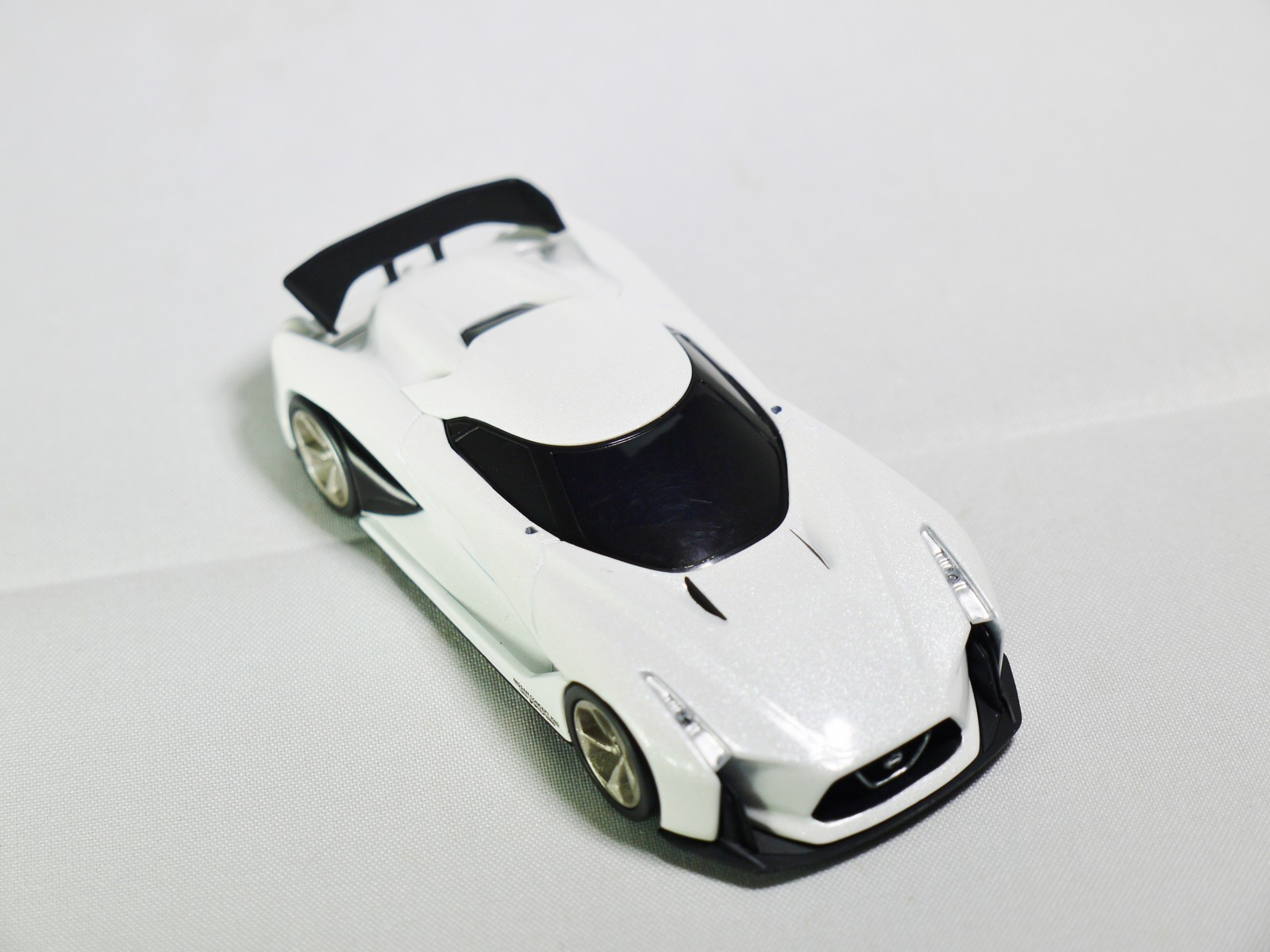 Tomytec_tomica_limited_vintage_neo_-_gt_nissan_concept_2020_-_vision_gran_turismo_-white_-_04