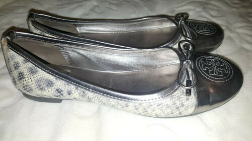 Tory Burch Medallion Gun Metal Silver Snake embossed leather Flats Shoes Sz 7,5M