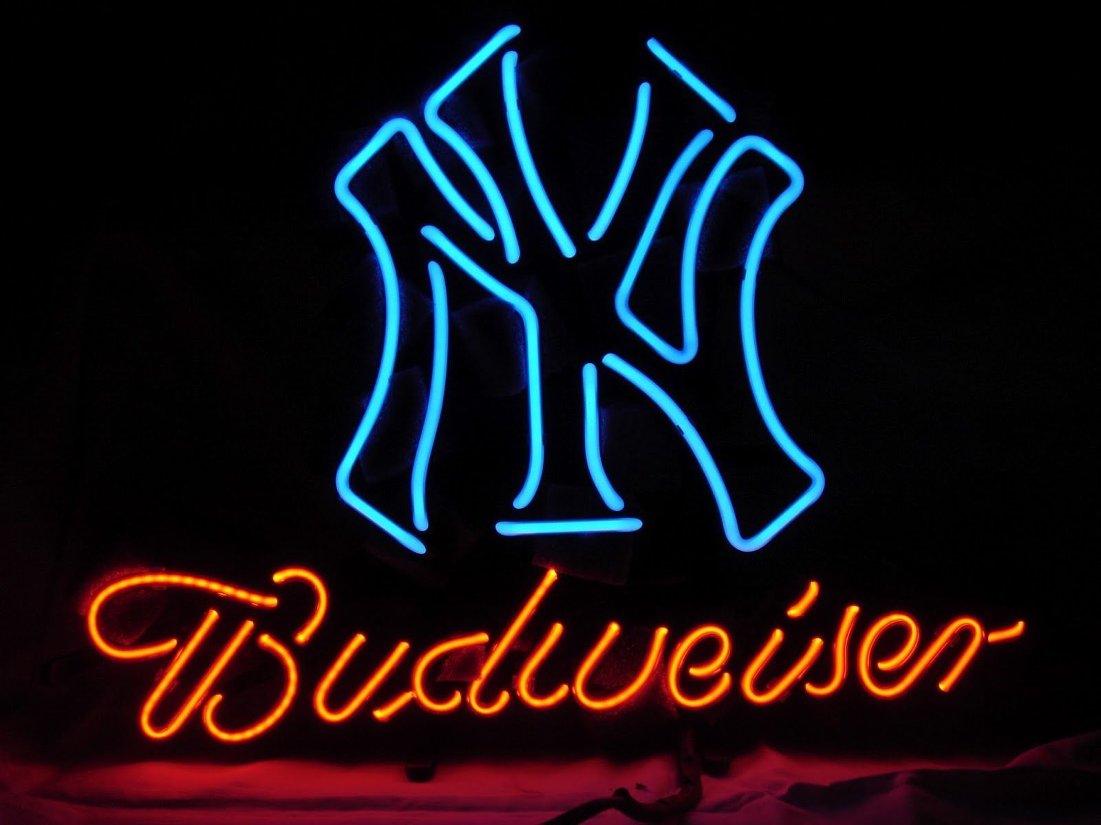"New Budwieser New York Yankees MLB Neon Light Sign 19""x15"" Ship From USA"