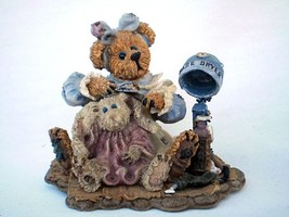 "Boyd's Bears Bearstone Collection Wanda & Gert ""A Little Off the Top"" Figurine - $14.01"