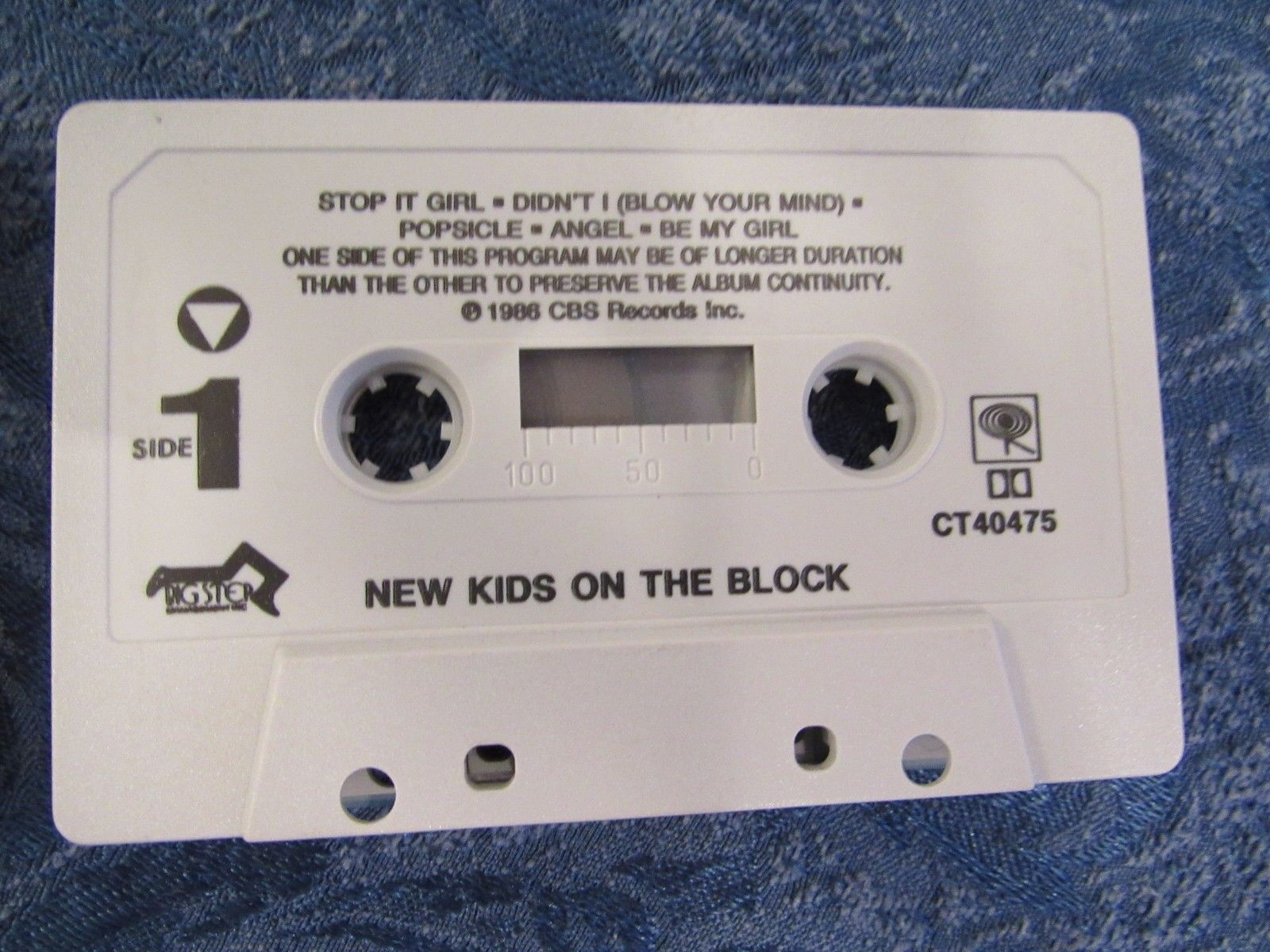 Lot of 3 New Kids On The Block Cassettes & 2 Large Buttons Pins