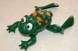 TOY SWIMMING CRAWLING FROG BABY BATH WATER - $14.85