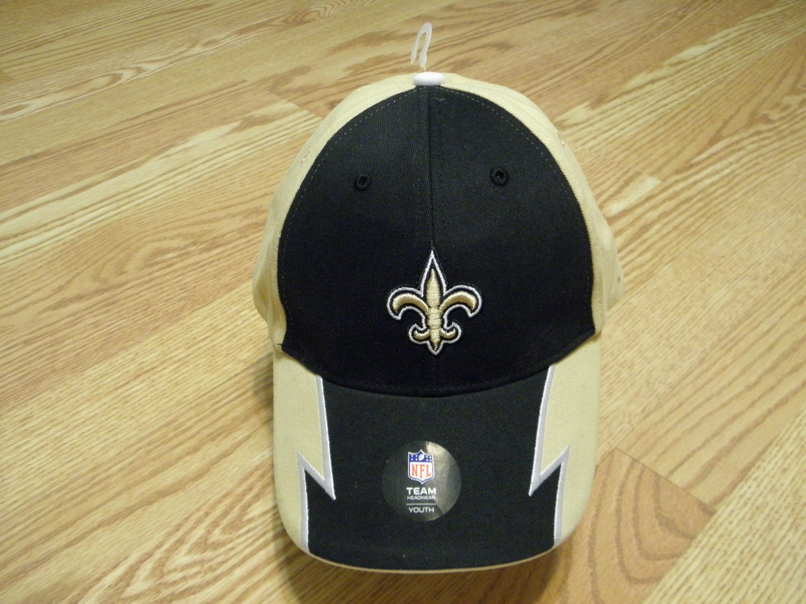 NEW ORLEANS SAINTS NFL APPAREL YOUTH BLACK & GOLD CAP W/ADJUSTABLE STRAP, NWT