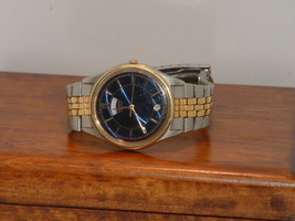 Pre-Owned Men's Seiko 7N43-8A39 Date Analog Watch - $49.50