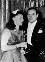 Ginger Rogers holds 1940 Oscar for Kitty Foyle 5x7 press photo with Bob ... - $5.75