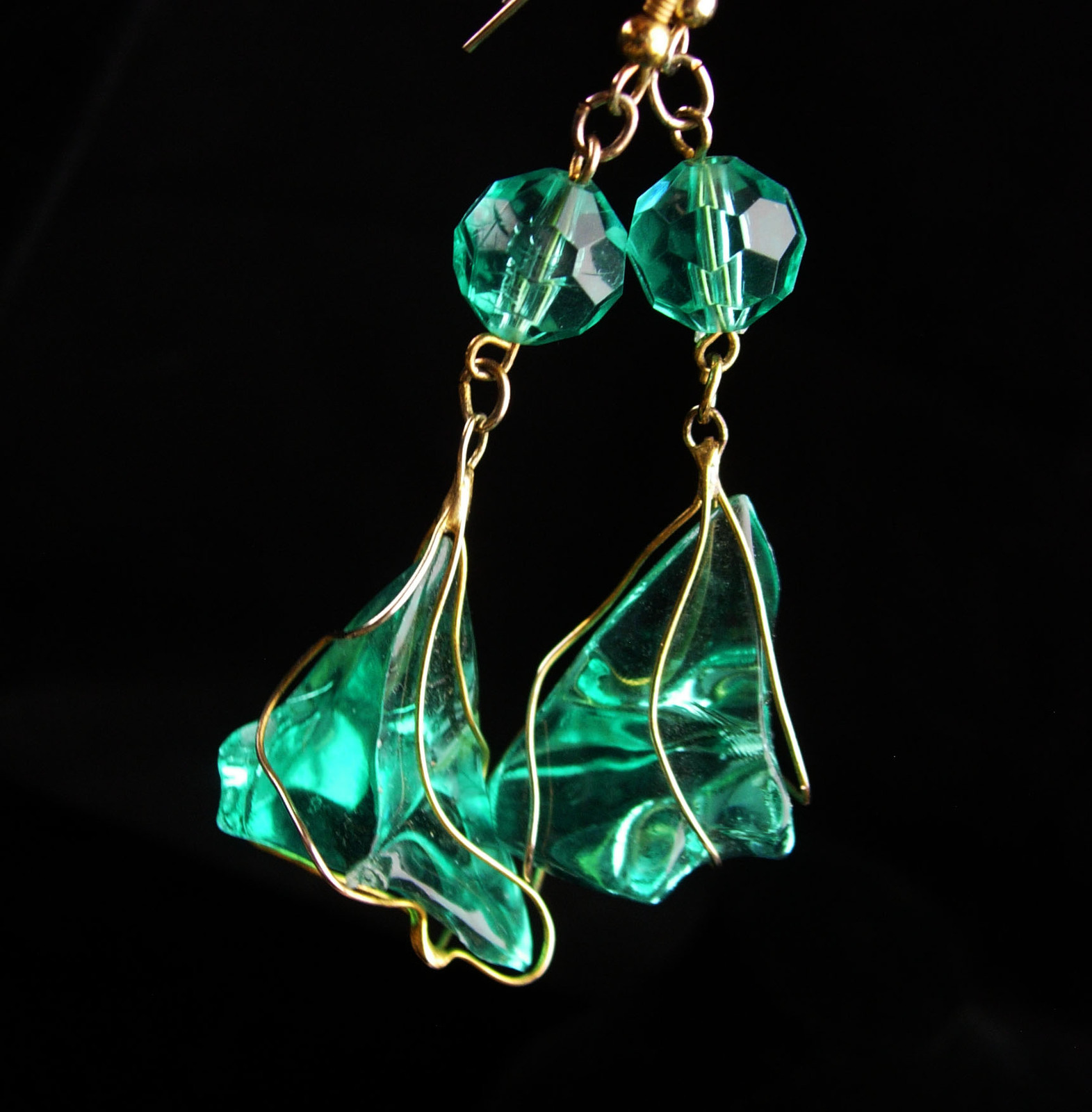 "3"" lucite chandelier drop earrings - vintage wire wrap bahama blue drops - state"