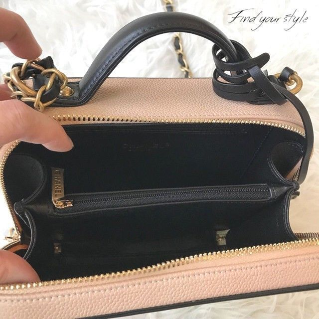 e78e70663d940d CHANEL CC Filigree Chain Shoulder Hand Mini Bag Vanity Case Box Woman Auth  New