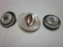 3 Pc Lot Vintage Mother Of Pearl Vintage Buttons Snap Jewelry For Noosa Ginger - $9.99