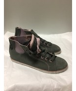 Gray And Lilacs Suede And Canvas Hightop Keds Size 8 - $29.69