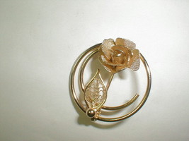 Sarah coventry vintage rose flower filigree brooch pin jewelry gold tone - $20.00