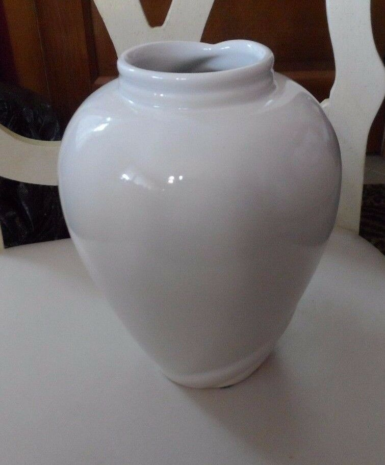"8"" off white vase with swoosh design"