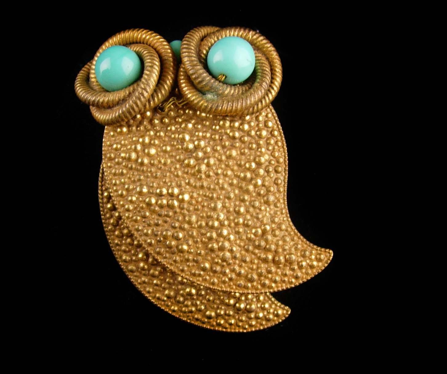 "Huge 3"" Owl dress clip - vintage Bird fur clip - Figural jewelry - big eyed"