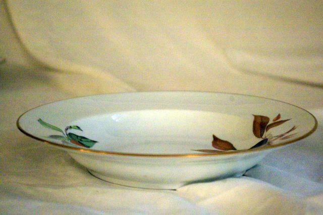 """Royal Worcester 2015 Evesham Gold Large Rimmed Soup Bowl 9"""""""