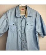 Men's Wrangler Button Up Short Sleeve Shirt Light Blue Size XL - $17.82