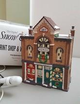 Dept 56 Original Snow Village Series 1992 PRINT SHOP & VILLAGE NEWS 54259 - $26.00