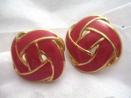 "Vtg Napier red enamel knot gold tone 1""  post earrings signed - $14.84"