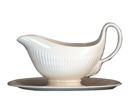 WEDGWOOD EDME Etruria Barlaston ENGLAND GRAVY BOAT with Attached Underplate - $94.04