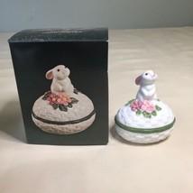 Vintage Easter Bunny Rabbit Trinket Box......Bunny Luv Avon 1982 New - $7.91