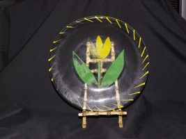 "Kosta Boda Tulip Hand Painted Yellow Glass Plate Ulrica Hydman Vallien. 7"" - $9.89"